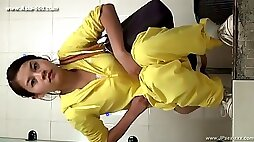 Chinese girls go to toilet.125