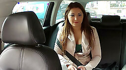 Sexy and pretty amateur pays sex for an extra taxi ride and gets cumshot