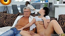 DADDY4K. Boyfriend is busy so why babe has sex with his old father