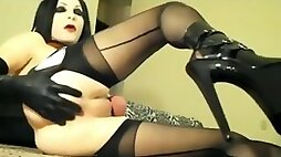 Goth Shemale Webcam Show