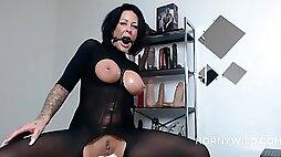 Kinky Mom Crazy Webcam Pussy Rubbing - Amateur Porn