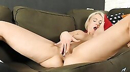 Gorgeous milf with sexy big ass playing with her pussy
